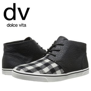 🤎 Dolce Vita class checkered shoes 🤎